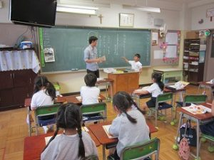 東星学園小学校 校長 大矢正則 カトリック ミッション 男女 1年生の生活(7)
