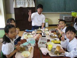 東星学園小学校 校長・大矢正則 清瀬 私立 小学校 1年生給食開始(4)