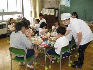 東星学園小学校 校長 大矢正則 清瀬 私立 小学校 1年生給食開始(6)
