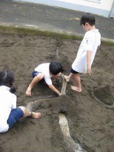 東星学園 校長・大矢正則 カトリック ミッション 男女 「砂や水でおもいきり遊ぼう!」(8)