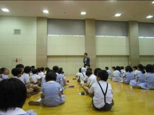 東星学園 校長・大矢正則 カトリック ミッション 男女 終業日(3)
