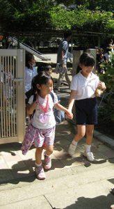 東星学園 校長 大矢正則 カトリック ミッション 男女 1年生…幼稚園との交流会(7)