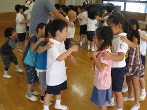 東星学園 校長・大矢正則 カトリック ミッション 男女 1年生…幼稚園との交流会(5)