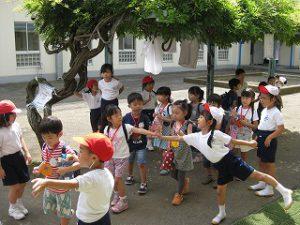 東星学園 校長 大矢正則 カトリック ミッション 男女 1年生…幼稚園との交流会(13)
