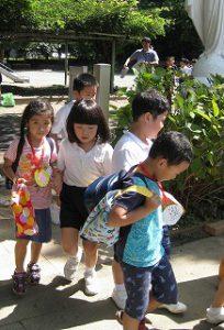 東星学園 大矢正則校長 清瀬 私立 小学校 1年生…幼稚園との交流会(6)