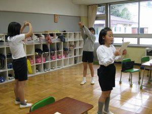 東星学園 校長・大矢正則 清瀬 私立 小学校 <バザー準備>(6)