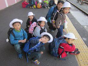 東星学園 校長 大矢正則 カトリック ミッション 男女 1年生 秋の遠足~みんなで たのしく 山を あるきましょう!~(1)