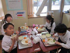 東星学園 大矢正則校長 カトリック ミッション 男女  11月の給食(6)