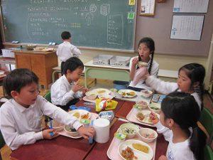 東星学園 校長 大矢正則 清瀬 私立 小学校 11月の給食(4)