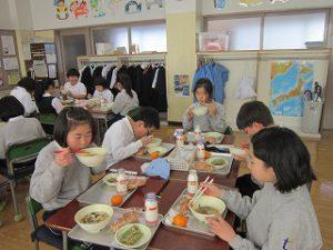 東星学園 校長・大矢正則 カトリック ミッション 男女 1月の給食(3)
