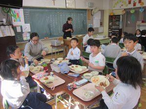 東星学園 校長・大矢正則 清瀬 私立 小学校 1月の給食(6)