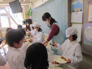 東星学園 校長 大矢正則 清瀬 私立 小学校 1月の給食(4)