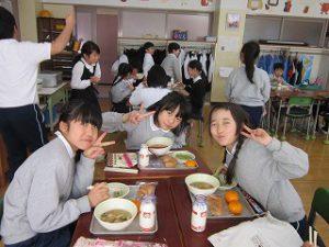 東星学園 大矢正則校長 清瀬 私立 小学校 1月の給食(2)
