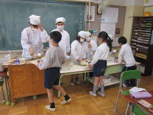 東星学園 校長 大矢正則 カトリック ミッション 男女 ひな祭り(4)