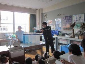 東星学園 大矢正則校長 カトリック ミッション 男女 4年生 水道キャラバン(3)