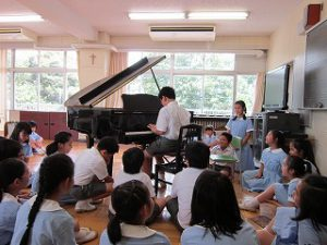 東星学園 校長・大矢正則 カトリック ミッション 男女 5年生 夏休み前の様子(5)