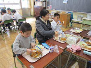 東星学園 校長・大矢正則 清瀬 私立 小学校 1月の給食(8)
