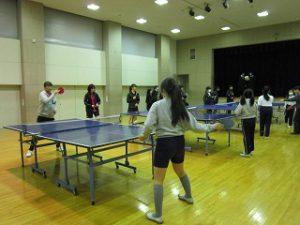 東星学園 大矢正則校長 カトリック ミッション 男女 中高卓球部との交流練習(5)
