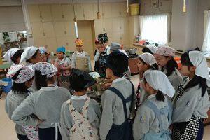 東星学園 校長・大矢正則 清瀬 私立 小学校 5年生調理実習(2)