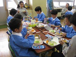 東星学園 大矢正則校長 カトリック ミッション 男女 1年生、給食開始(3)