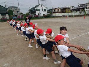 東星学園 校長 大矢正則 カトリック ミッション 男女 低学年 運動会練習風景(1)