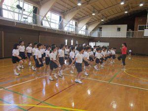 東星学園 大矢正則校長 カトリック ミッション 男女 「低学年体育祭ダンス練習」(3)