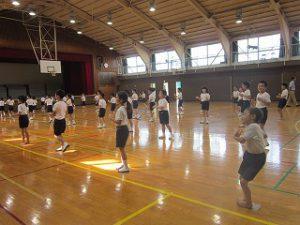 東星学園 校長 大矢正則 清瀬 私立 小学校 「低学年体育祭ダンス練習」(4)
