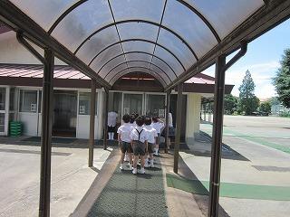 東星学園 校長 大矢正則 カトリック ミッション 男女 給食室見学(1)