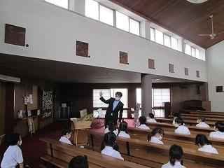 カトリック ミッション 男女 東星学園 大矢正則校長 2年生宗教 十字架の道行き(3)