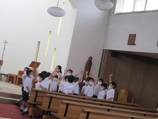 カトリック ミッション 男女 東星学園 大矢正則校長 2年生宗教 十字架の道行き(5)