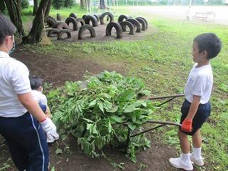 カトリック ミッション 男女 東星学園 大矢正則校長 校内清掃ボランティア(1)