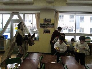 カトリック ミッション 男女 東星学園 大矢正則校長 豆まき(3)