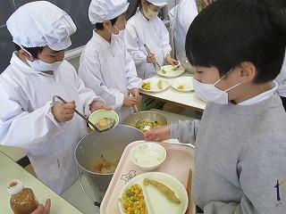 清瀬 私立 小学校 東星学園 大矢正則校長 学校給食週間(2)
