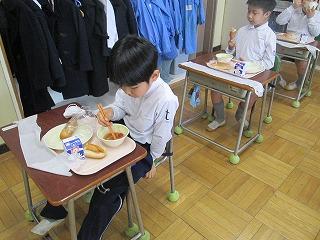清瀬 私立 小学校 東星学園 大矢正則校長 学校給食週間(4)