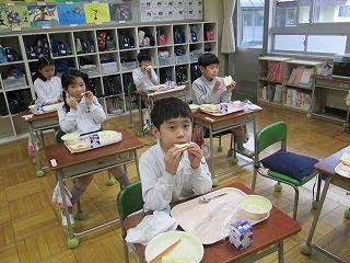 清瀬 私立 小学校 東星学園 大矢正則校長 学校給食週間(8)