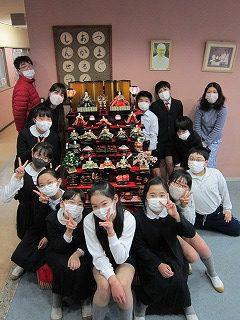 東星学園 校長 大矢正則 清瀬 私立 小学校 ひな人形の飾りつけ(4)