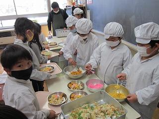 カトリック ミッション 男女 東星学園 校長 大矢正則 大好きな給食(1)
