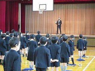カトリック ミッション 男女 東星学園 大矢正則校長 終業式(1)