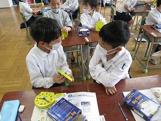 カトリック ミッション 男女 東星学園 大矢正則校長 2年生の学習(1)